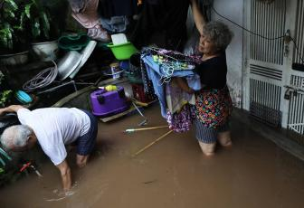 Kết quả hình ảnh cho Storm Wipha side effects disrupt daily life in northern, central Vietnam