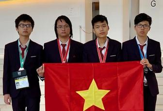 Vietnamese high schoolers win two informatics olympiad gold medals