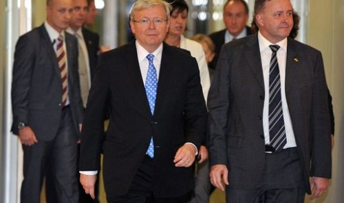 Former leader Rudd ousts Australia's first female PM