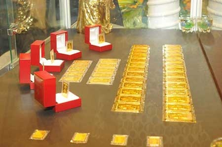Vietnam to import 30 tons of gold this year