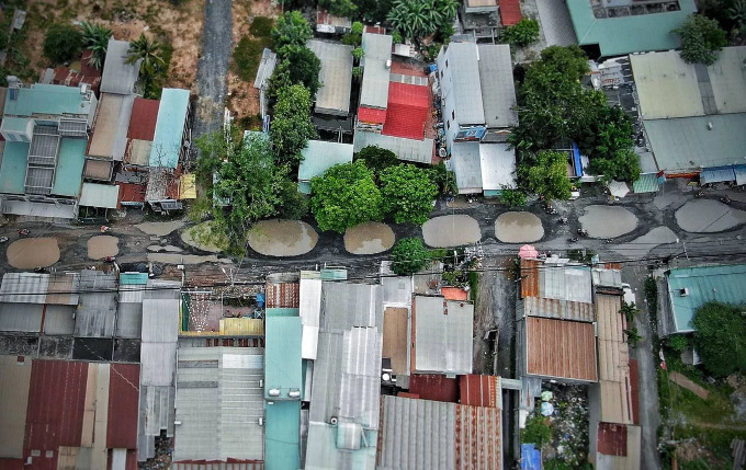 Saigon lays claim to rockiest road on the planet