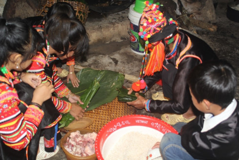 Ha Nhi ethnic group's earthen-wall houses and traditional New Year celebration, entertainment events, entertainment news, entertainment activities, what's on, Vietnam culture, Vietnam tradition, vn news, Vietnam beauty, news Vietnam, Vietnam news, Vietnam